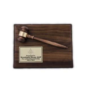 Oak wood finished plaque with gavel - AGP20